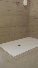 piatto-doccia-filo-pavimento-Ardesia-bianco