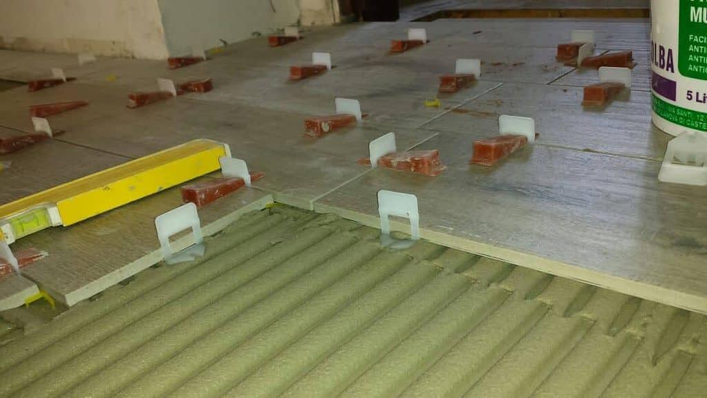 Il costo posa gres porcellanato effetto legno